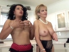 Lady Sonia lesbienne sexe