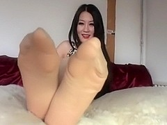 Nylons on - Nylons off