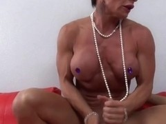 Bodybuilder granny rough handjob