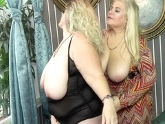 Two Naughty Big Breasted Mature Ladies Go All The Way - MatureNL